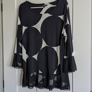 Bell sleeve knit black/white top w/ sheer trim